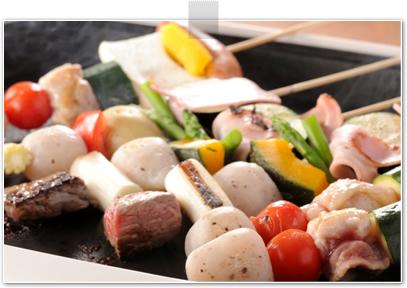 玉コンとお好み素材の串焼き